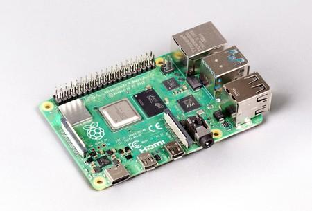 Si 4 GB no te bastan no pasa nada: aparece la Raspberry Pi 4 con 8 GB de RAM por 75 dólares