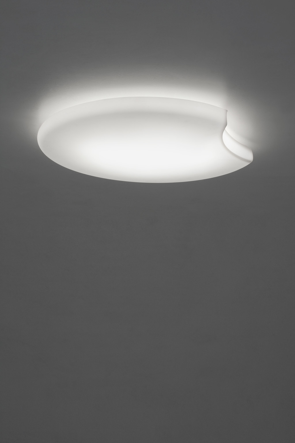 La luna menguante en tu casa con Moon, la nueva luminaria de Alma Light