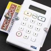El Monopoly sustituye los billetes por tarjetas de crédito