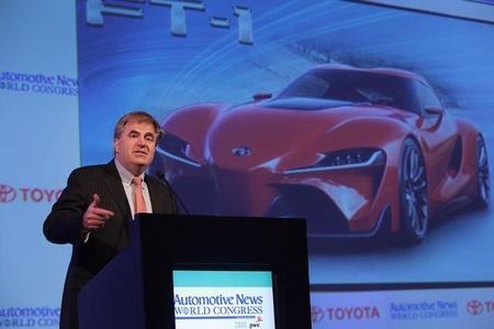 Toyota apuesta por la seguridad del hidrógeno disparando balas contra un tanque de combustible