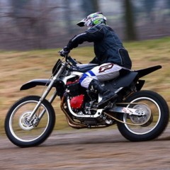 Foto 6 de 8 de la galería suzuki-gsx-r-1100-enduro en Motorpasion Moto