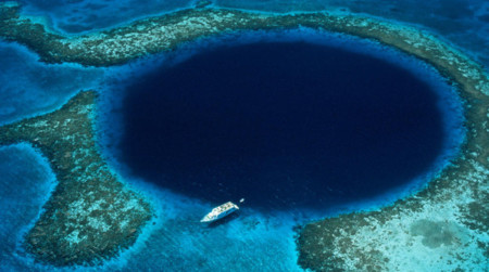 The Great Blue Hole E1436524587689
