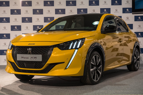 El nuevo Peugeot 208 ya es también eléctrico, ¡y es la reencarnación del mítico Peugeot 205!