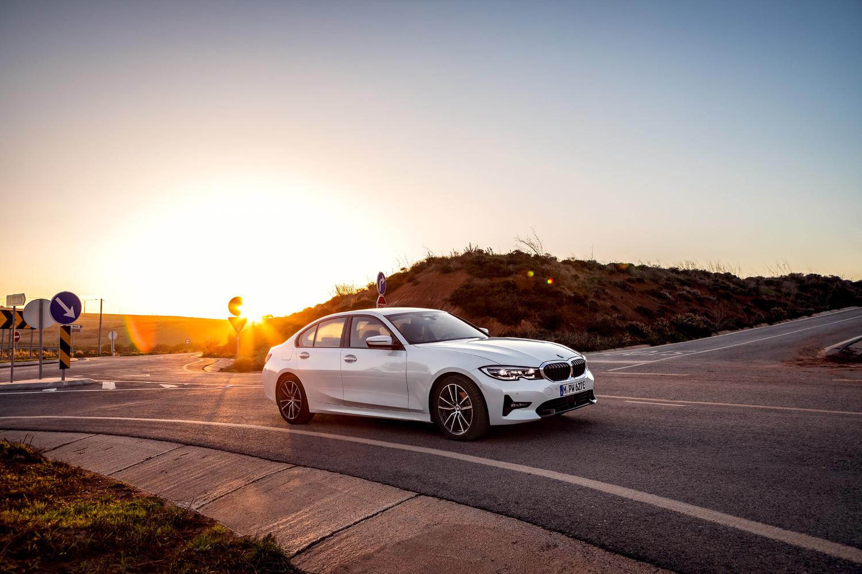 Foto de BMW 330e 2019 (2/11)