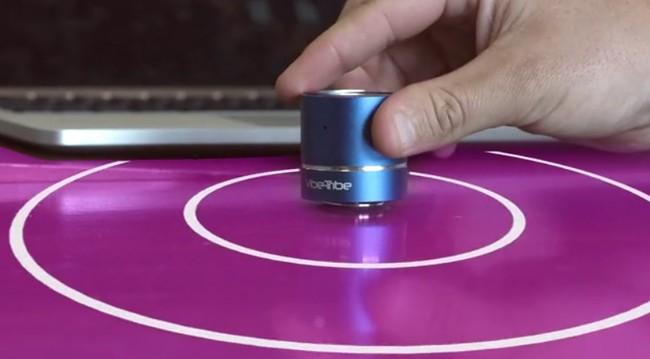 Mini Troll quiere convertir cualquier superficie de la casa en un altavoz por medio de vibraciones