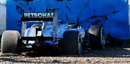 Vídeo del accidente de Lewis Hamilton con el Mercedes AMG en el test de Jerez