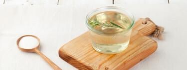 Cómo hacer almíbar casero: receta básica para mojar bizcochos (o torrijas) y aprovechar en otros postres y bebidas