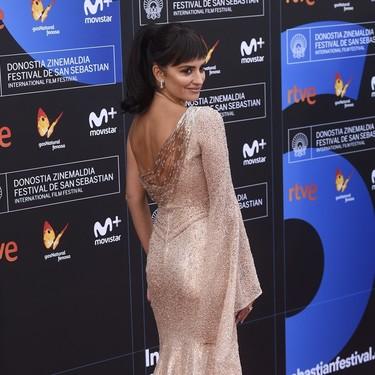 Penélope Cruz no consigue brillar por culpa de un look desafortunado en el Festival de San Sebastián