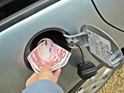 El hueco entre consumo homologado y real cuesta al consumidor europeo 450 euros más al año