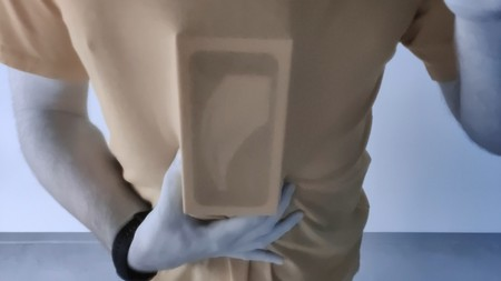 """La """"cámara de rayos X"""" del OnePlus 8 Pro que """"ve a través"""" de ropa y plástico será desactivada"""