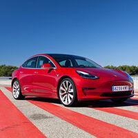 El Tesla Model 3 rebaja su precio en España: sus variantes más completas, hasta 6.600 euros más baratas