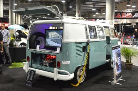 Puristas, tapaos los ojos: esto es una Volkswagen T1 ¡eléctrica!
