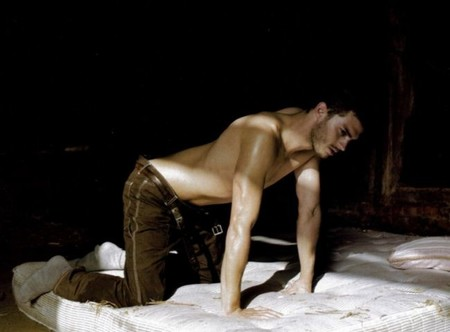 Jamie Dornan se atreve a ponerse en manos de Alexandre Aja