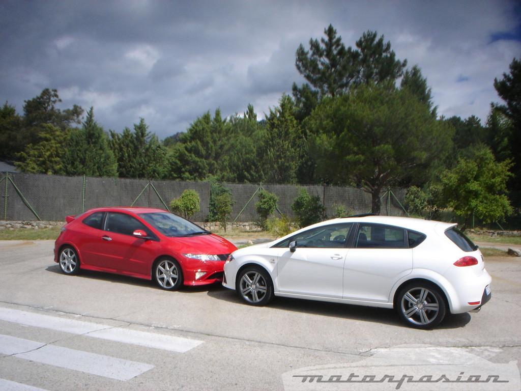 Foto de Honda Civic Type-R contra SEAT León FR (1/20)