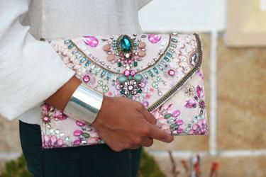 Bolsos de mano, ideales para dar un toque glam a tu look