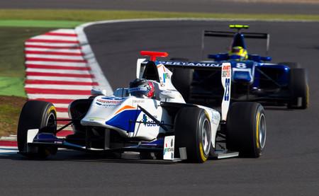 Giovanni Venturini y Nick Yelloly - Silverstone GP3 Carrera 2