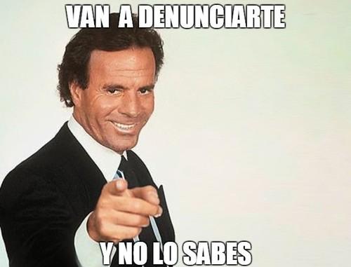 ¿Te pueden pedir dinero por usar el meme de Julio Iglesias Y NO LO SABES?