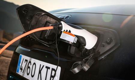 La instrumentación digital llega a Kia y la estrenará su nuevo SUV urbano XCeed