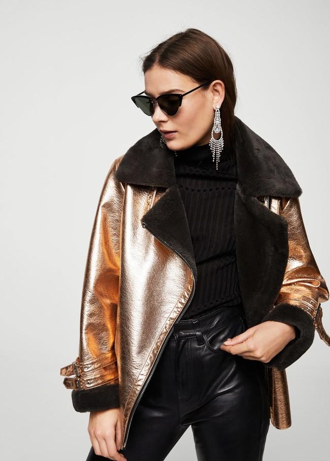 mango chaqueta dorada