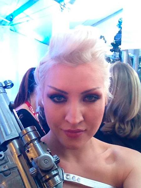 Sasha Gradiva en los Grammys 2012