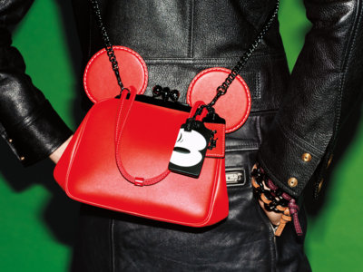 ¿Cuál es el romance sorpresa del verano? Disney x Coach