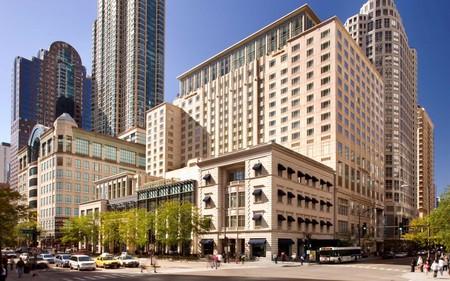 Peninsula Chicago Hotel Exterior 02 Chicagohotelswb18