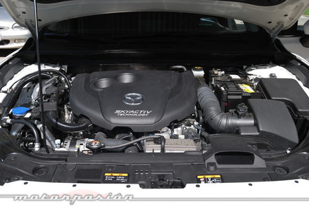 Mazda3 2013 Luxury AT