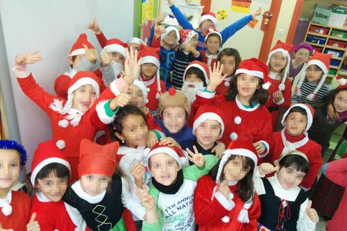 ¿Podemos hacer fotos a los niños en las funciones del colegio y publicarlas en redes sociales? Lo explicamos