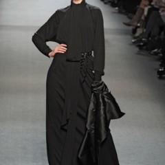 Foto 14 de 27 de la galería jean-paul-gaultier-otono-invierno-20112012-en-la-semana-de-la-moda-de-paris-el-lado-sexy-del-estilo-ladylike en Trendencias