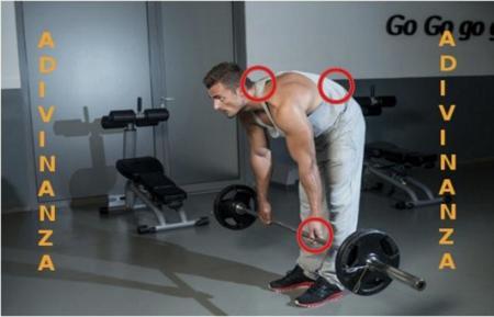 Solución a la adivinanza: los errores en la técnica del ejercicio son el agarre, y la posición de cuello y espalda