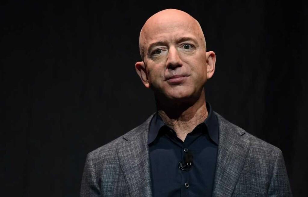 Amazon usó datos de ventas para replicar productos populares y promocionar sus propias marcas en India, según Reuters
