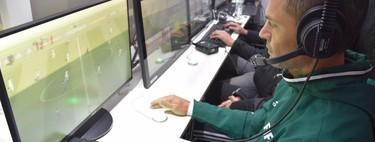 La polémica del videoarbitraje en el fútbol, a debate: hablamos con tres ex-futbolistas sobre el VAR
