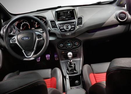 Ford Fiesta St 2018 12