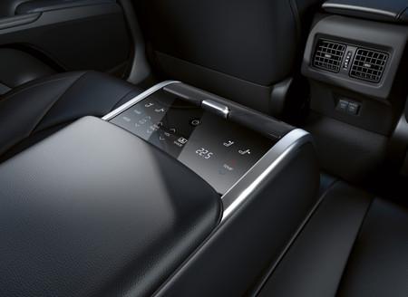 Toyota Camry Hybrid Interior pantalla posterior