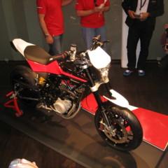 Foto 2 de 12 de la galería husqvarna-nuda-900r-fotos-presentacion-a-la-prensa en Motorpasion Moto