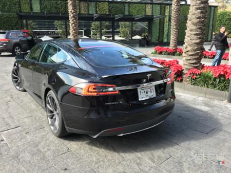 Tesla Model S Mexico 15