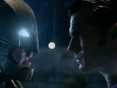 'Batman v Superman: El Amanecer de la Justicia', nuevo tráiler, póster y más imágenes oficiales