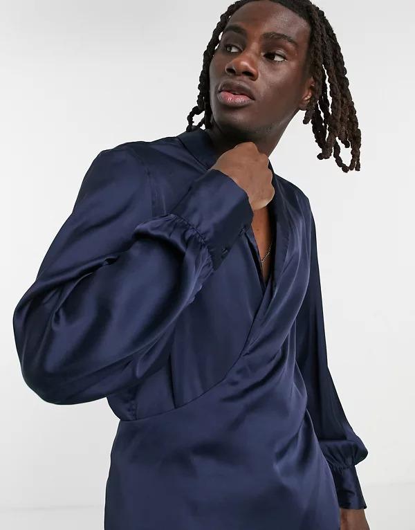 Camisa con diseño cruzado, cuello desbocado y mangas de estilo blusón de satén de ASOS DESIGN