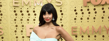 Jameela Jamil se maquilló sola en los Premios Emmy 2019 (como hace siempre en The Good Place)