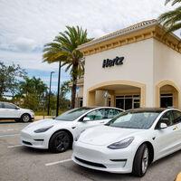 De la quiebra al chupinazo: Hertz hace un bestial pedido a Tesla de nada menos que 100.000 coches eléctricos