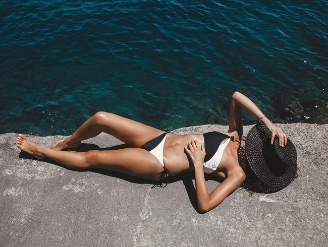 Este verano que  no falte en tu cesto de a playa uno de estos 7 aceites con protección solar