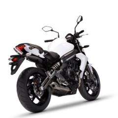 Foto 22 de 77 de la galería kawasaki-er-6n-2012-divertida-facil-y-con-estilo en Motorpasion Moto