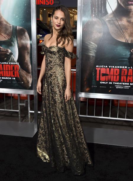 alicia vikander estilismo look outfit