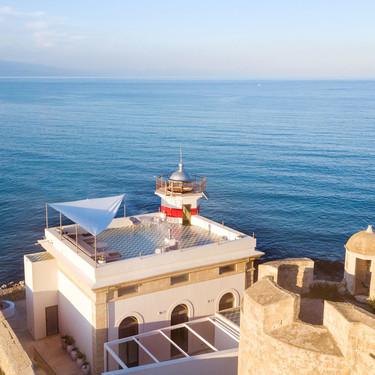 Un antiguo faro en Sicilia rehabilitado en una preciosa casa turística con impresionantes vistas