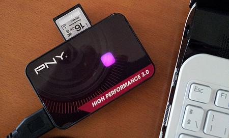 Tarjeta y lector de tarjetas PNY
