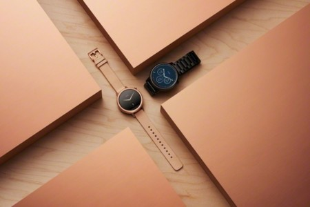 Moto 360 2nd Gen Black Tan Hero