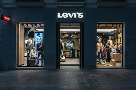 Remate final en las rebajas de verano de Levi's: vaqueros 501, sudaderas, camisetas y chaquetas a mitad de precio
