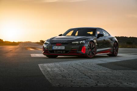 Audi RS e-tron GT se prepara para competir contra su principal rival: Porsche Taycan