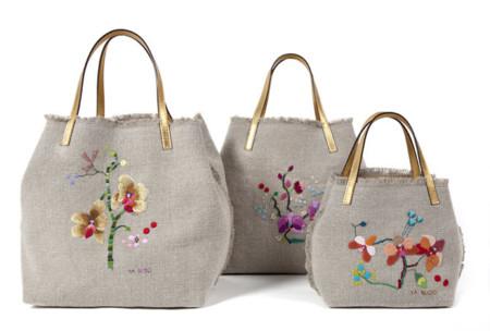 Invasión de flores en el Matryoshka bag de Carolina Herrera 519e930fbfa2
