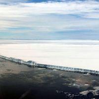 Este iceberg gigantesco está a punto de entrar en mar abierto y tenemos que vigilarlo muy de cerca